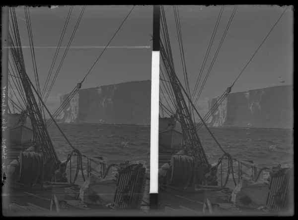 HS018 'Steaming Past Icebergs' Stereoscopic Glass Plate. Photo: Frank Hurley. Mawson Collection, South Australian Museum